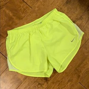 Nike Modern Embossed Tempo Shorts - Small
